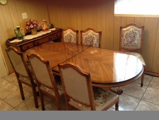 11 Piece Dinning Room Suit