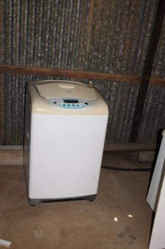 13 kg Defy Washing Machine ( To use as Spares )