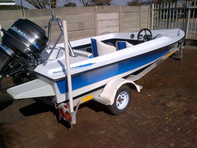 16 feet Raven speed boat for sale