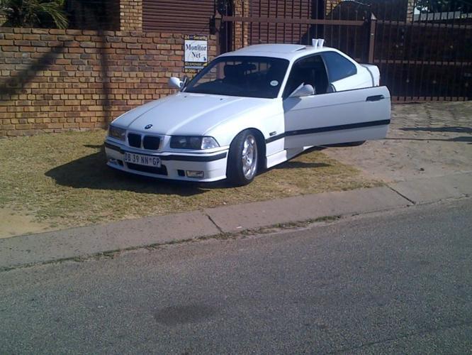 1993 BMW M3 Coupe (2 door)
