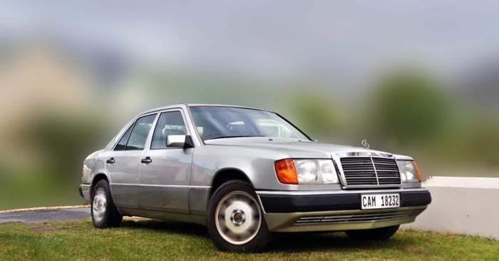 1994 Mercedes-Benz E-Class Sedan 230E Auto W124