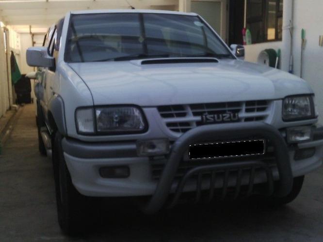 2002 Isuzu KB300 TDi 4 x 4 D/C