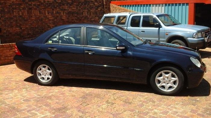 2003 Mercedes-Benz C220 CDI