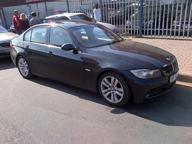 2005 BMW 3-Series Sedan