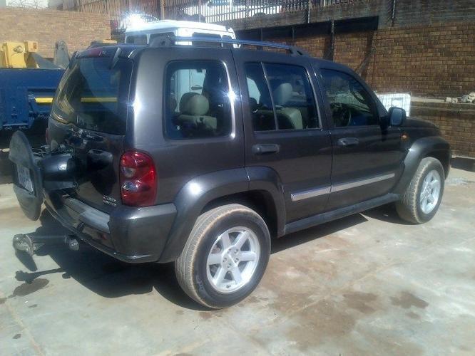 2005 Jeep Cherokee SUV