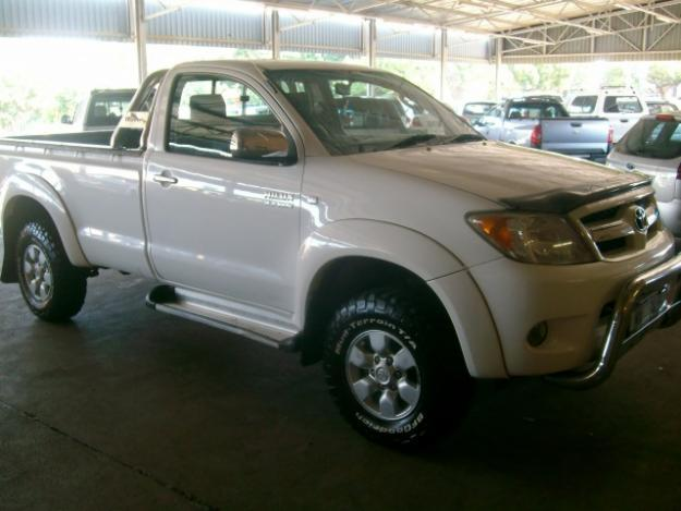 2008 TOYOTA HILUX 2.7 VVT-I RAIDER FACELIFT SINGLE CAB-WHITE-124,000