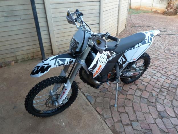 2010 KTM200XC-W (Almost new)
