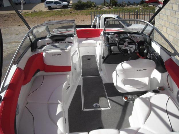 2010 SEADOO CHALLENGER 210 WAKE / 430HP for Sale in Port
