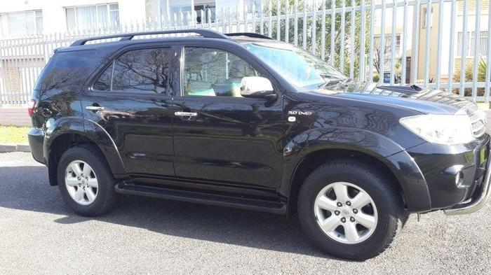 2010 Toyota Fortuner 3.0 D4D 4X2 7-SEATER