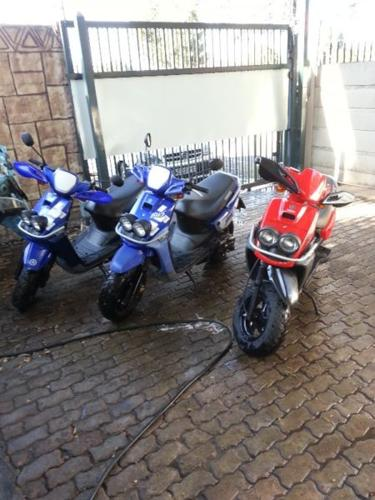 2010 Yamaha 100CC SCOOTERS FOR SALE