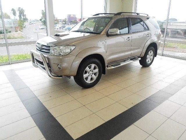 2011 Toyota Fortuner 3.0 d4d 4x2 (Automatic)