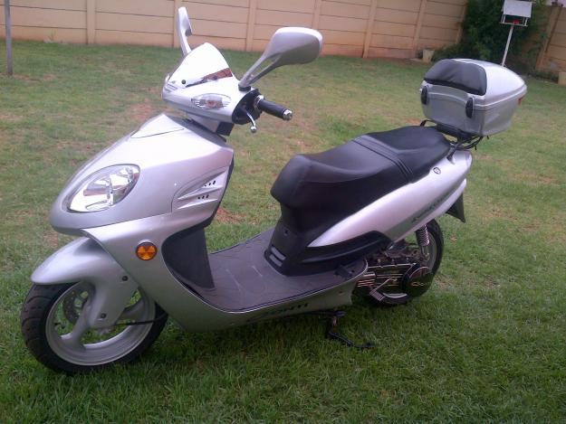 2012 conti scooter for sale in mogwase north west classified. Black Bedroom Furniture Sets. Home Design Ideas
