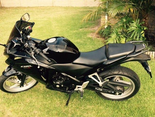 2012 Honda CBR 250 RR, very low kms, one owner, no accidents