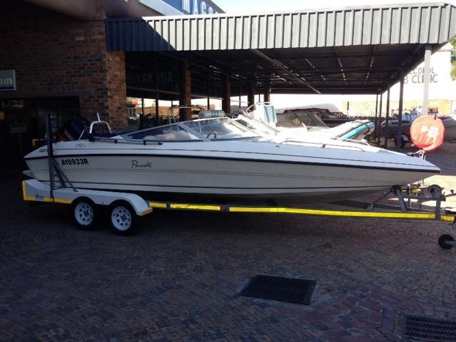 2150 Panache in pristine condition with a 200hp Yamaha
