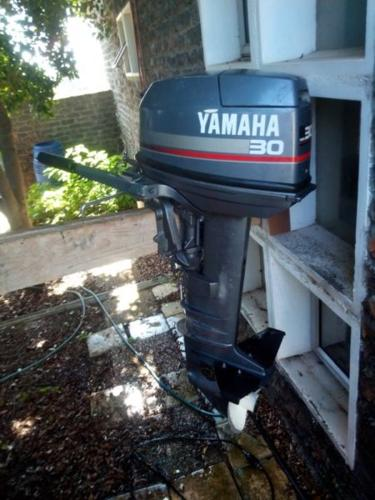30HP Yamaha outboard engine with tiller arm for Sale in