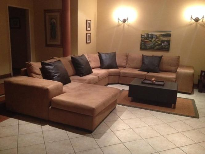 4 piece 8-10 seater lounge suite
