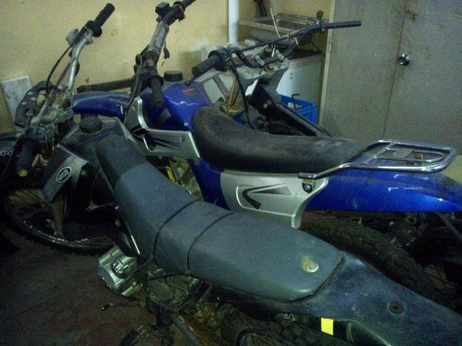 5 Running 200cc and 125cc chinese scramblers and lot of