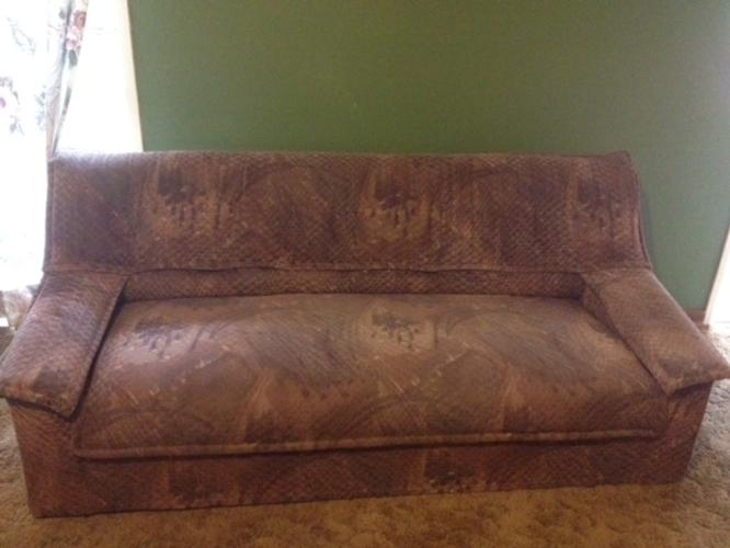 6 Seater Lounge Suite At Give Away Price For Sale In