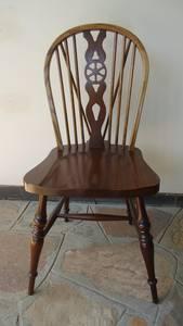 6 Windsor Diningroom Chairs