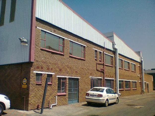 724sqm WAREHOUSE & 161sqm OFFICES TO LET