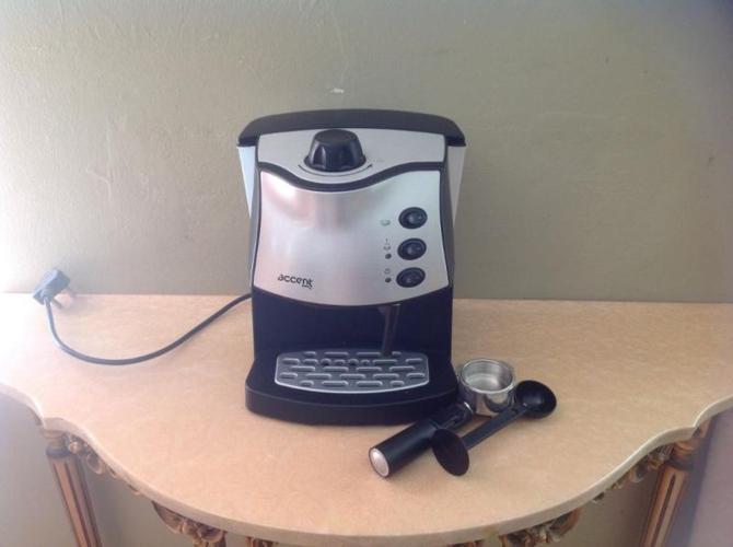 Accent cappuccino/espresso maker