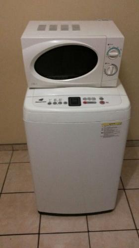 Almost new Samsung 7kg Diamond wash machine & 17L