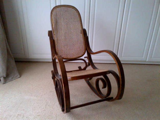 ANTIQUE ROCKING CHAIR FOR SALE for Sale in Kwambonambi, KwaZulu-Natal ...