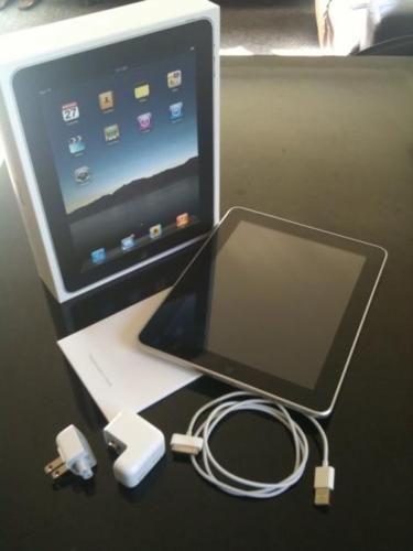 APPLE I PAD FOR SALE ? 16GB ? WI-FI / 3G ? WHITE