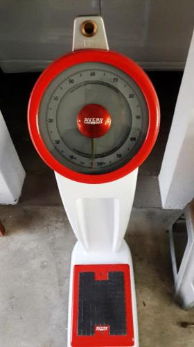 Avery Scale - Coin operated
