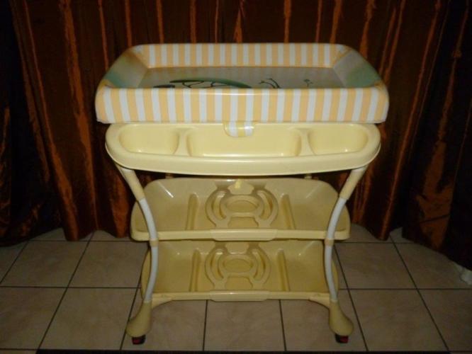 Baby Bath Compactum for Sale in Queensburgh, KwaZulu-Natal ...