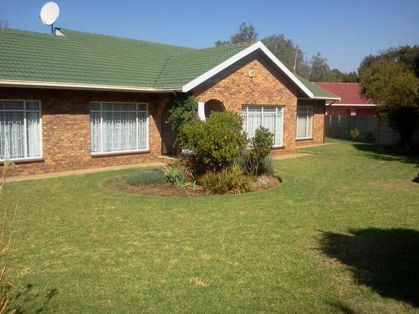 Bargain! 4 Bedroom Family Home, Sharon Park, Springs