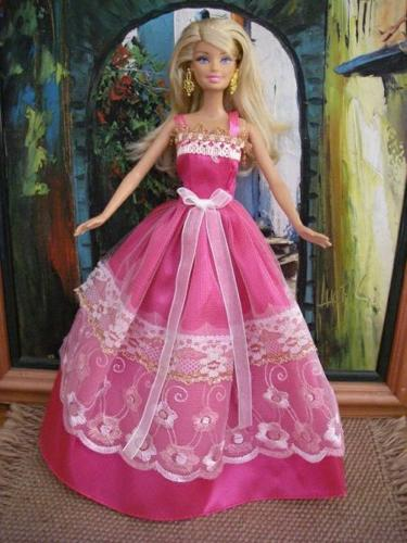 BARGAIN BUYS!!! Barbie doll ball gowns, clothes, party
