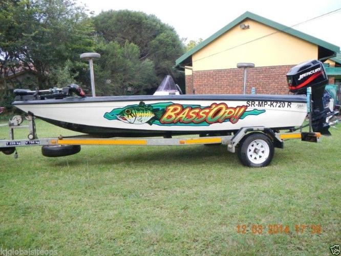 Bass Boat Dragonfly Mark III with Mercury 90 HP