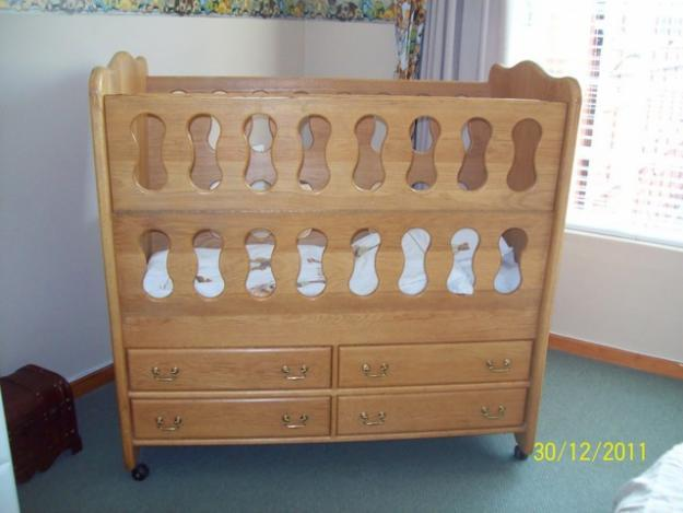 Beautiful cot for sale