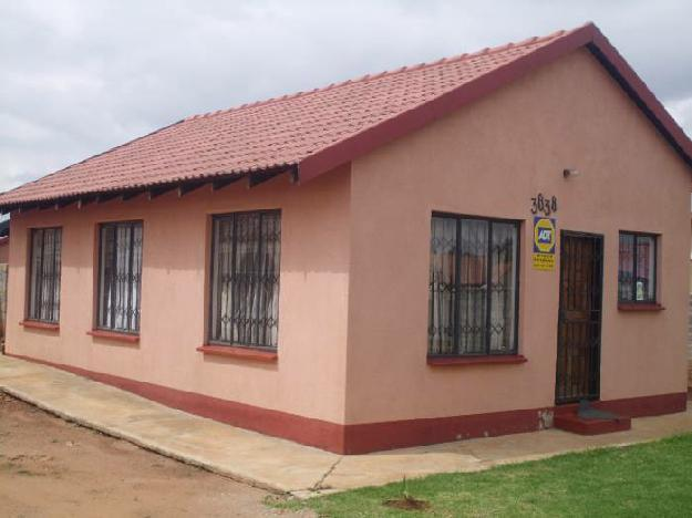 Beautiful cozy house, offering 3 bedroom.. - House For