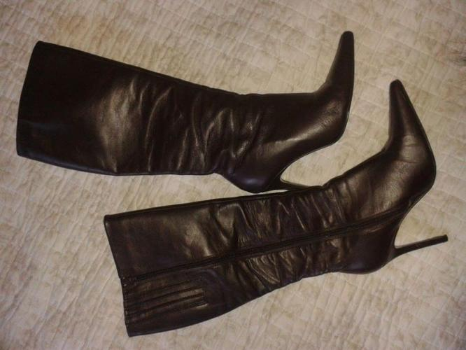 Beautiful leather Colin Stuart Boots