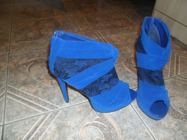 BEAUTIFUL ROYAL BLUE BOOTIES!!!! SALE