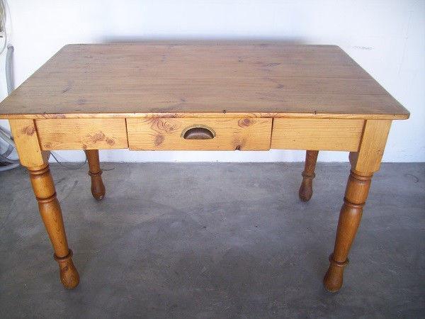 Beautiful vintage desk/table