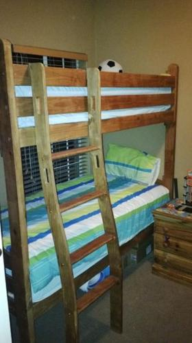 Beautiful wooden bunkbed for sale