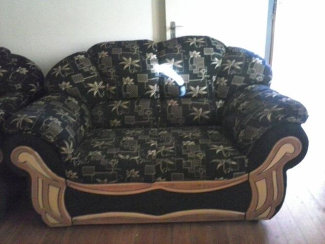 Urgent: Big 6 Seater Lounge Suite for sale