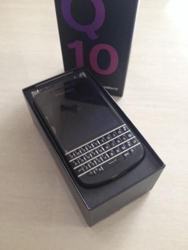 Blackberry Q10 plus pouch not a single scratch