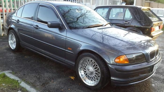 BMW 320i, 2001 - 300,000 km's