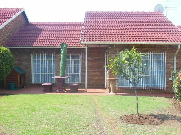 Boksburg Noord Lovely 3 bedroom unit wit.. - Cluster