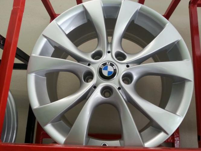 Brand new 17 inch BMW mags