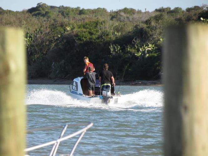 Cabin river boat with 40 hp yamaha motor