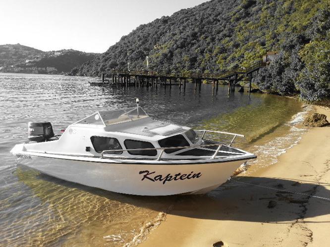 Calibre cabin boat+Yamaha 85hp+ galvanised trailer