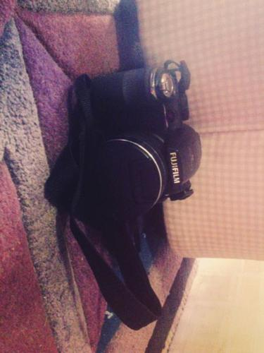 camera : Fuiji film s4300
