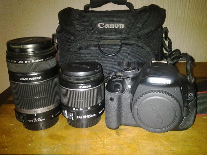 Canon 600D, two lenses, bag 16G card