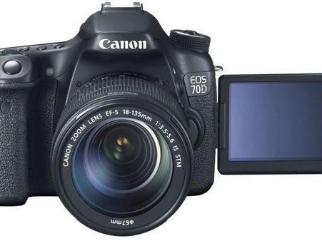 Canon D70 SlR camera