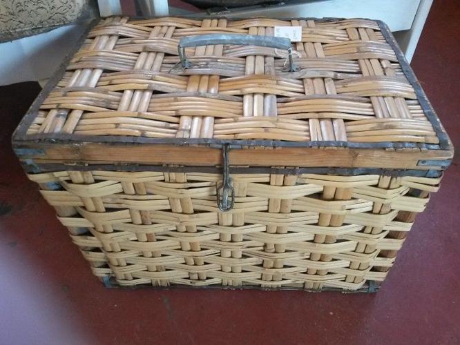 Cazmo 417-Style - Cane Picnic Basket